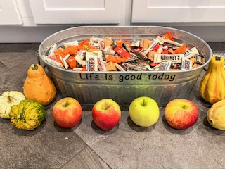 I Live Well Nutrition - Intuitive Eating at Halloween